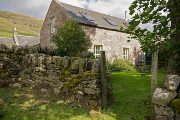Cottages near Edinburgh