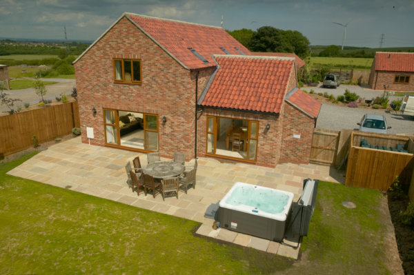 Contemporary yorkshire cottages hot tub cottage 1