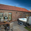 Contemporary yorkshire cottages hot tub cottage 4 e