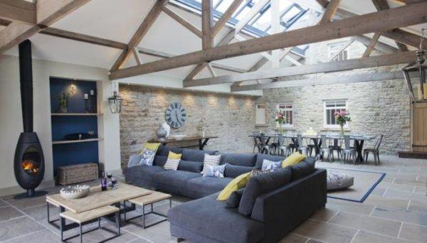 Yorkshire Retreats Hot Tub sitting room a