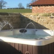 The Dales Cottages Hot Tub