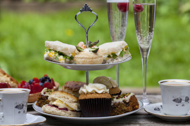hen party activity afternoon-tea-party