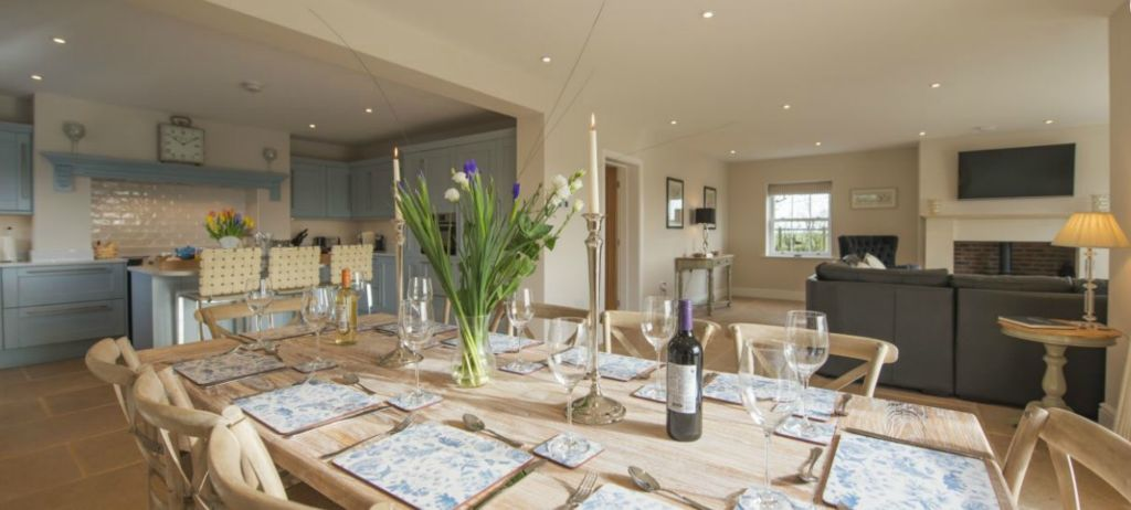 The dales cottages hot tub acacia cottages for Perfect kitchen harrogate menu