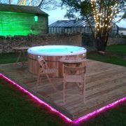 Oxfordshire Woodlands hot tub
