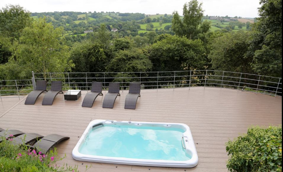 countryside retreat hot tub a, hen weekend cottage