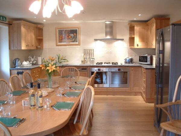 holiday cottages, warwickshire kitchen