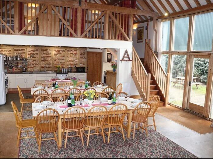 new forest cottages 16 dining