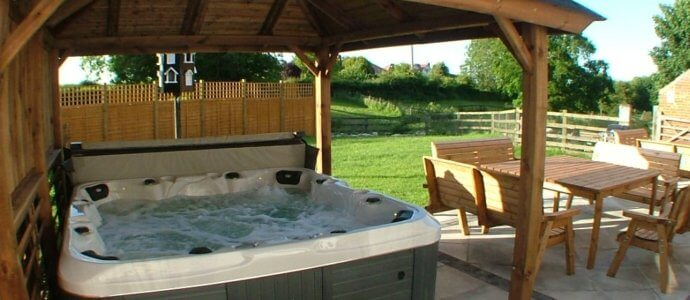 north yorkshire retreat hot tub, hen party house