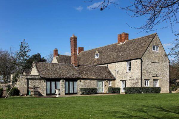 oxfordshire manor farmhouse outside