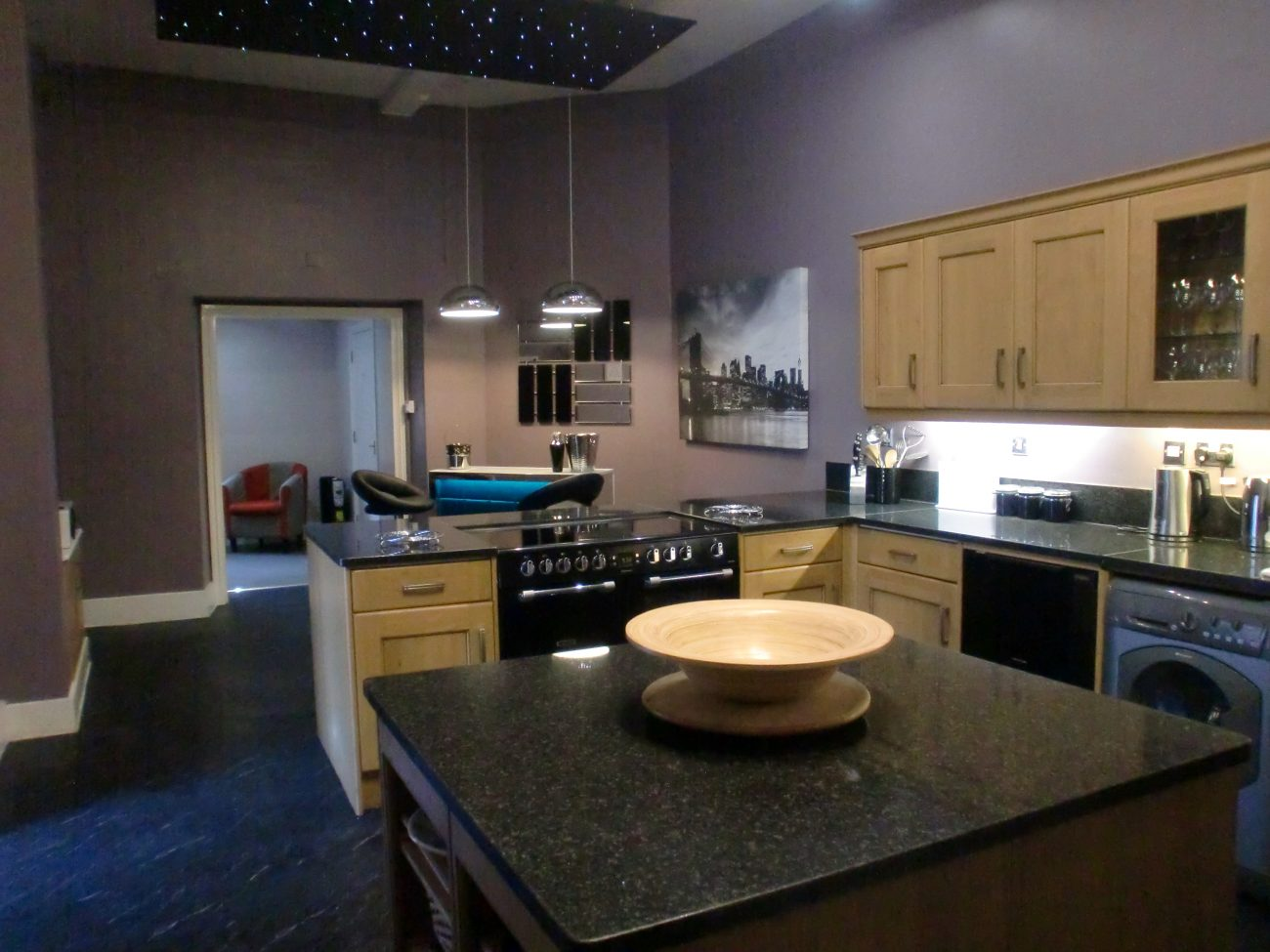 Principal Residence Hot Tub Sleeps 24 Near Derby Acacia