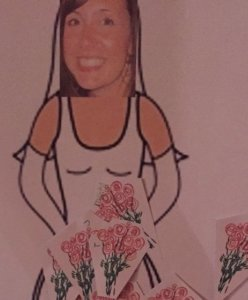 pin the bouquet on the bride wedding dress game