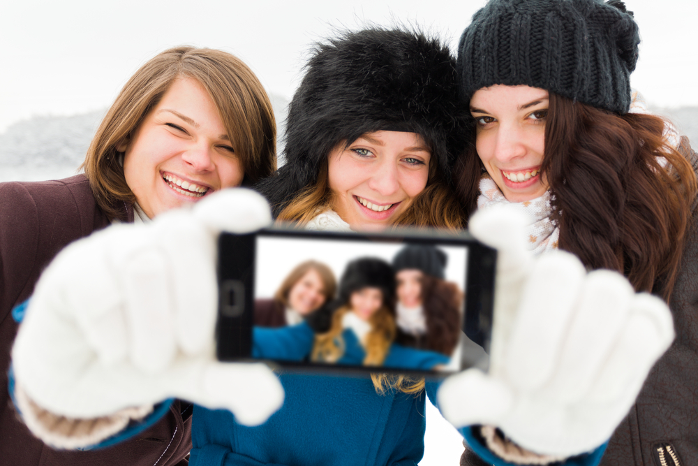 winter hen party activity selfie