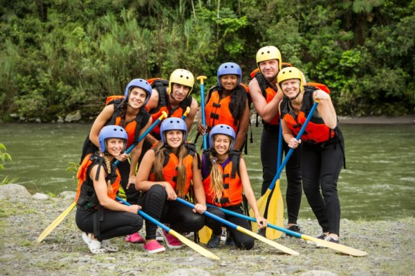 white water rafting hen party activity